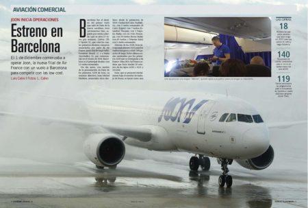 El primer vuelo de Joon fue recibido con el tradicional arco de agua en Barcelona.