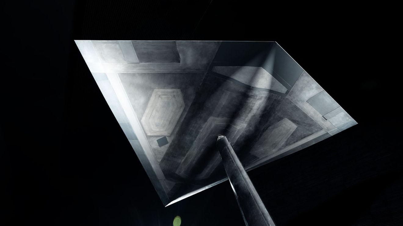 Superficie inferior de LOUT, con las cubiertas del tren de aterrizaje y una bodega central como elementos más destacados.