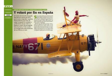 El Boeing Stearman en el que Ainhoa Sánchez cabalga sobre el ala es el avión ideal para este tipo de demostraciones.