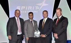 Directivos de Sofitec recogen el premio otorgado por Spirit Aerosystems