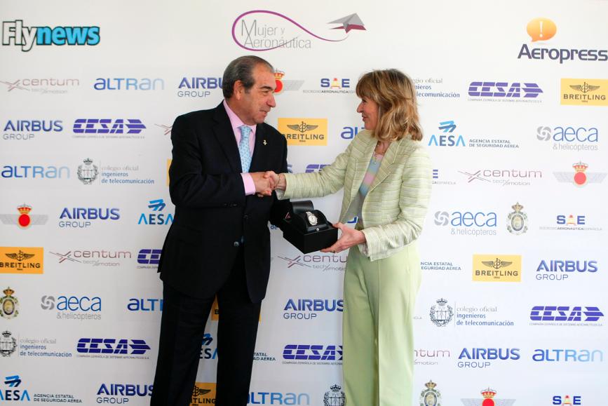 Durante la Jornada Mujer y Aeronáutica se otorgó el Primer Premio a la Trayectoria profesional a Teresa Busto, la primer mujer directora de una planta de Airbus en todo el mundo.