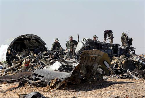 Imagen de los restos del avión Metrojet Airbus A321. Fuente: Europapress.