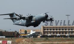El primer A400M para el Ejército del Aire español hizo su primer vuelo de prueba desde Sevilla.