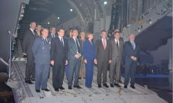 El 17 de noviembre el Ejército del Aire recibe su primer A400M, en una ceremonia en Sevilla con la recién estrenada ministra de Defensa, Mª Dolores de Cospedal y el jefe del Estado Mayor del Aire, general Francisco Javier GArcía Arnáiz entre otros.
