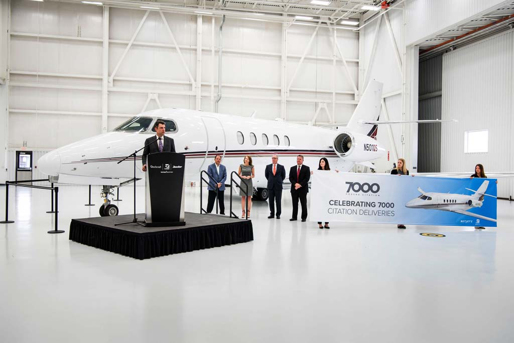 Ceremonia de entrega a Netjets de su primer Citation Latitude.