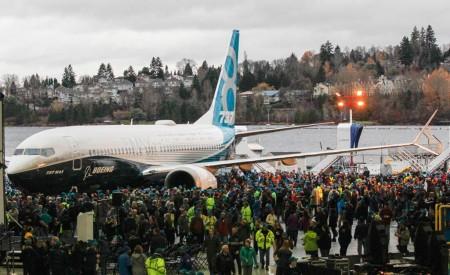 Ceremonia de roll out del Boeing 737 MAX 8 se renton.
