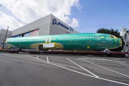 Los fuselajes de B-737 se  montan en Wichita y son enviados a Renton en tren montados en unos vagones especiales.