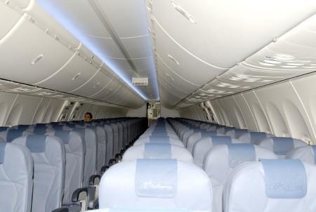 Interior de la cabina de pasaje del nuevo Boeing 737-800 de Air Europa