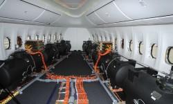 La cabina frontal con depósitos de agua para el centrado del avión.