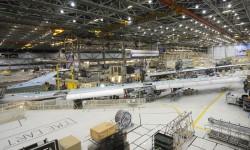 Las alas del siguiente avión ya están listas y esperando a ser unidas al fuselaje