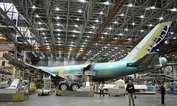 El tercer Boeing 747-8 para la aerolínea Atlas Air está casi listo para salir de la cadena de montaje