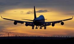 Boeing considera que con el incremento de aviones comerciales previsto para los próximos 20 años harán falta en torno a 1,1 millones de nuevos pilotos y técnicos de mantenimiento.