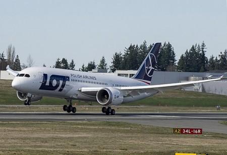 Aterizaje del vuelo de prueba del Boeing 787.