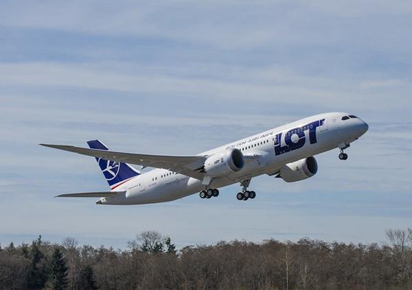 Despegue del vuelo de prueba del Boeing 787