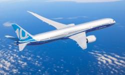 El Boeing 787-10 entrará en servicio un año después que el A350-1000 con el que debe competir.