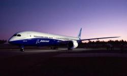 Boeing anuncia 102 pedidos para el nuevo B-787-10 cuyo lanzamiento anunció en le Bourget.