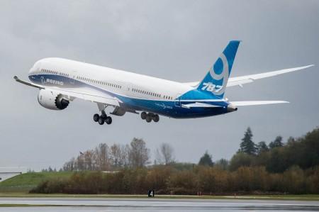 Despegue del segundo Boeing 787-9 en su primer vuelo.