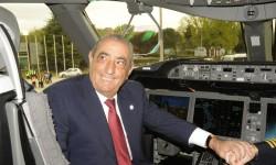 Juan José Hidalgo a los mandos del Boeing 787