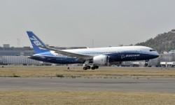 Aterrizaje del Boeing 787 Dreamliner ZA003 en el aeropuerto de Ciudad de México.