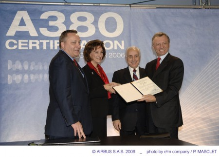 Alain Garcia, el primero por la derecha