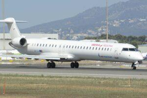 CRJ1000 de Melair operando vuelos dentro del archipiélago balear en 2019.