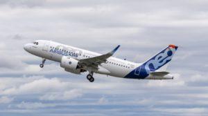 Despegue de Toulouse del Airbus A319neo con motores Pratt & Whitney.