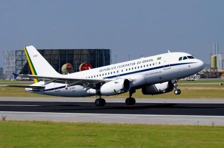 Airbus A319CJ del Gobierno de Brasil