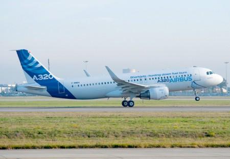 Primer vuelo del Airbus A320 con sharklets
