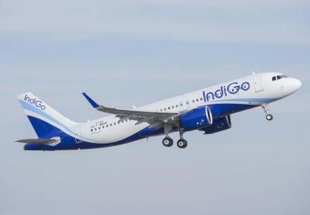 El primer Airbus A320neo de IndiGo durante uno de sus vuelos de prueba.