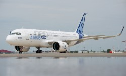 El A320neo MSN6101 espera en tierra