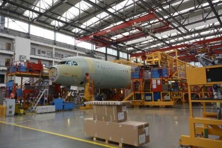 La factoría de Airbus en Finkenwerder (Hamburgo) alberga cuatro líneas de montaje de aviones de la familia A320.