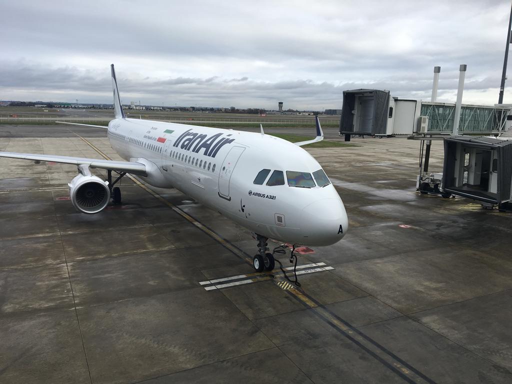 Iran Air recibió en Toulouse el primero de sus nuevos 100 Airbus, un A321.