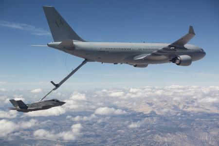 Primer repostaje de un Airbus A330MRTT a un Lockheed Martin F-35.