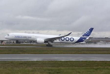 Rotación y al aire a las 10:42 de la mañana en el vuelo inaugural del Aibrus A350-1000 F-WMIL.