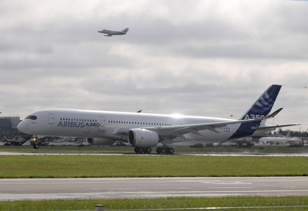 Primer vuelo del Airbus A350 XWB.