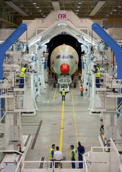 Tercer Airbus en la cadena de montaje final.