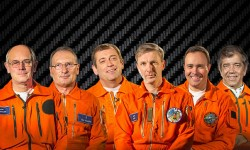 En esta foto compuesta de Airbus de la tripulación, de izquierda a derecha: Peter Chandler; Guy Magrin; Pacal Vernaeau; Patrick duChé; Emanuele Constanzo; y Fernando Alonso