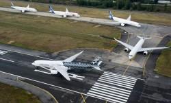 Entrando en pista para el despegue para el vuelo en formación sobre Toulouse.