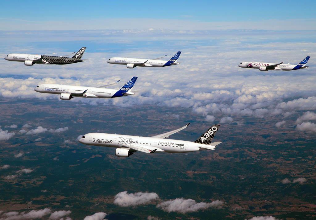 Vuelo en formación de cinco A350-900