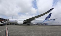 Encendido del motor número 1 del primer Airbus A350 que volará.