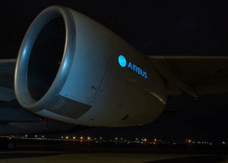 La pantalla electro-luminiscente instalada en la barquilla del motor del A380.