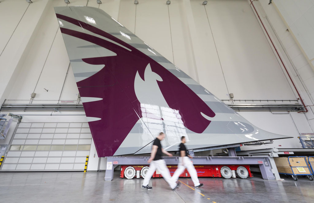 Cola del primer Airbus A380 de Qatar Airways