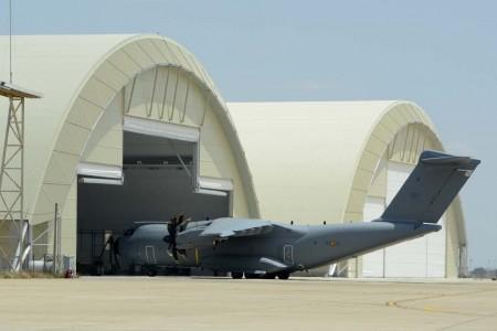 En la base de Zaragoza se han construido ya dos hangares para el mantenimiento de los A400M.