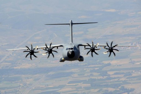 El Ala 31 del Ejército del Aire español ha realizado ya 100 horas de vuelo con su primer Airbus A400M