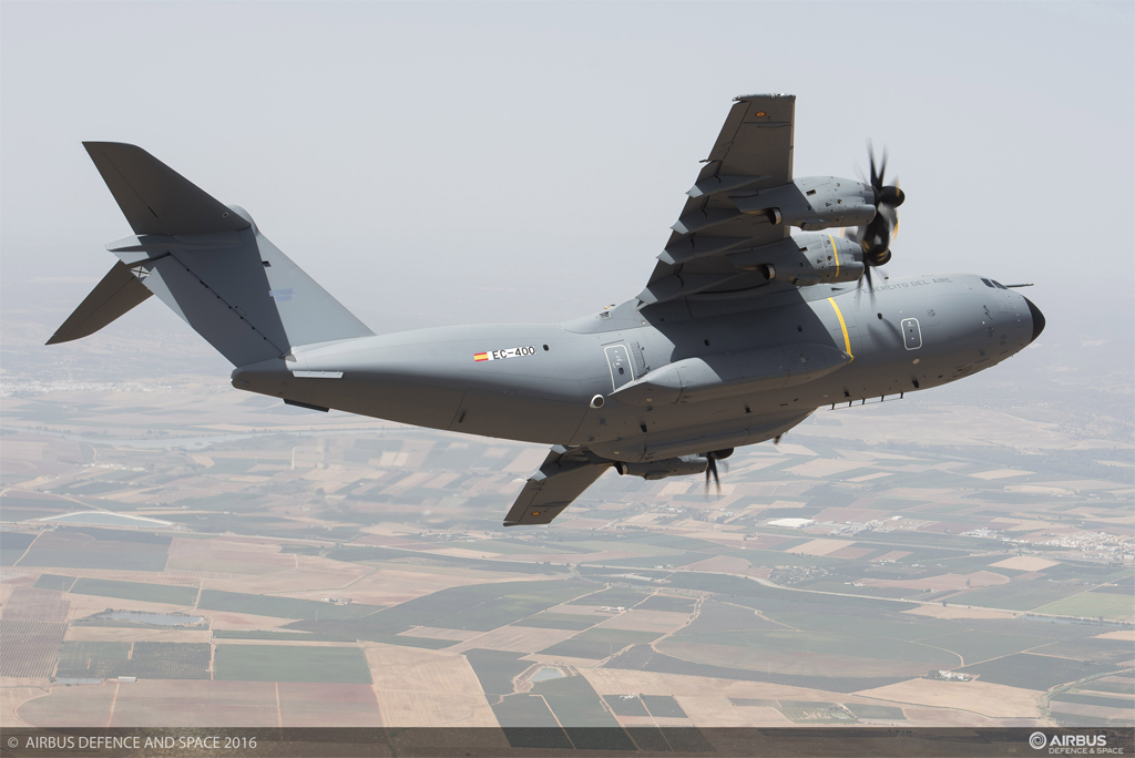 El 17 de noviembre de 2016 Airbus DS entregó el primer A400M al Ejército del Aire español.