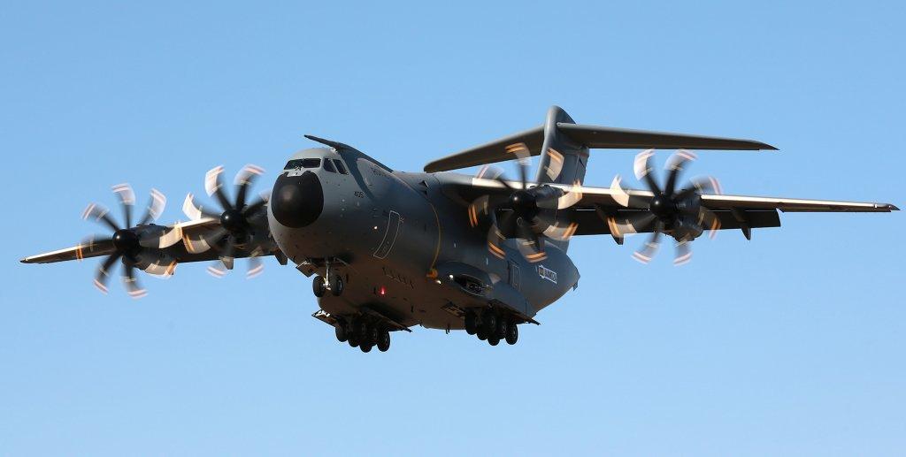 El séptimo A400M de la RAF durante uno de sus vuelos de prueba previos a su entrega.