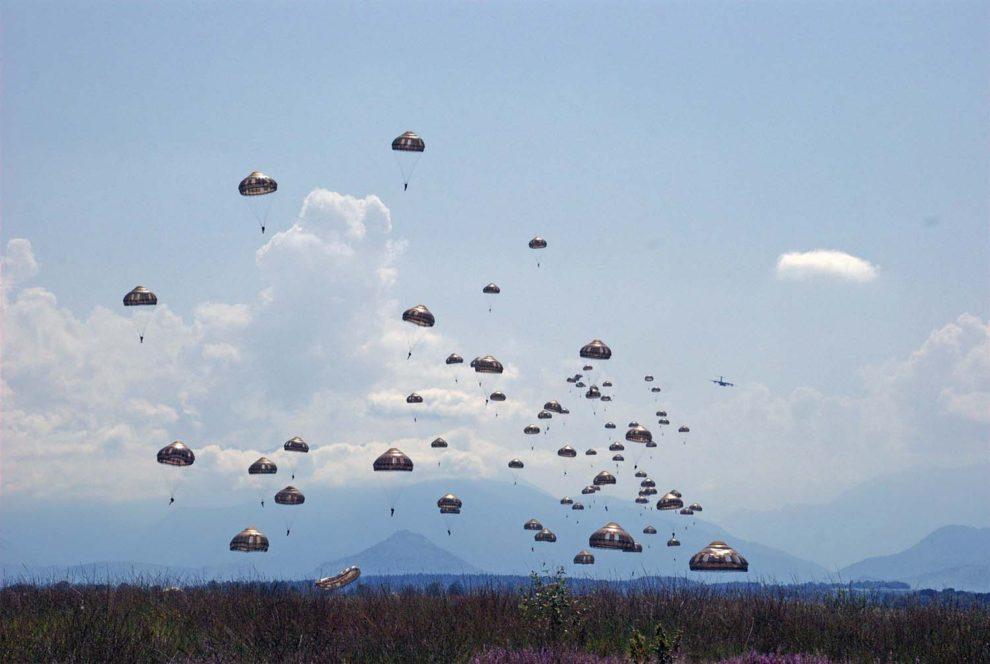 Salto de paracaidistas en Ger Azrl (Francia) desde el A400M en septiembre de 2019 como parte del programa de certificación.