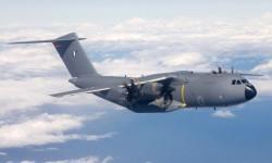 Cinco horas y 42 minutos ha durado el primer vuelo del A400M para Francia