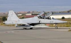 El comandante Ángel Álvarez Raigada, y el alferez Sergio Santamaría de Felipe eran los tripulantes del avión accidentado.
