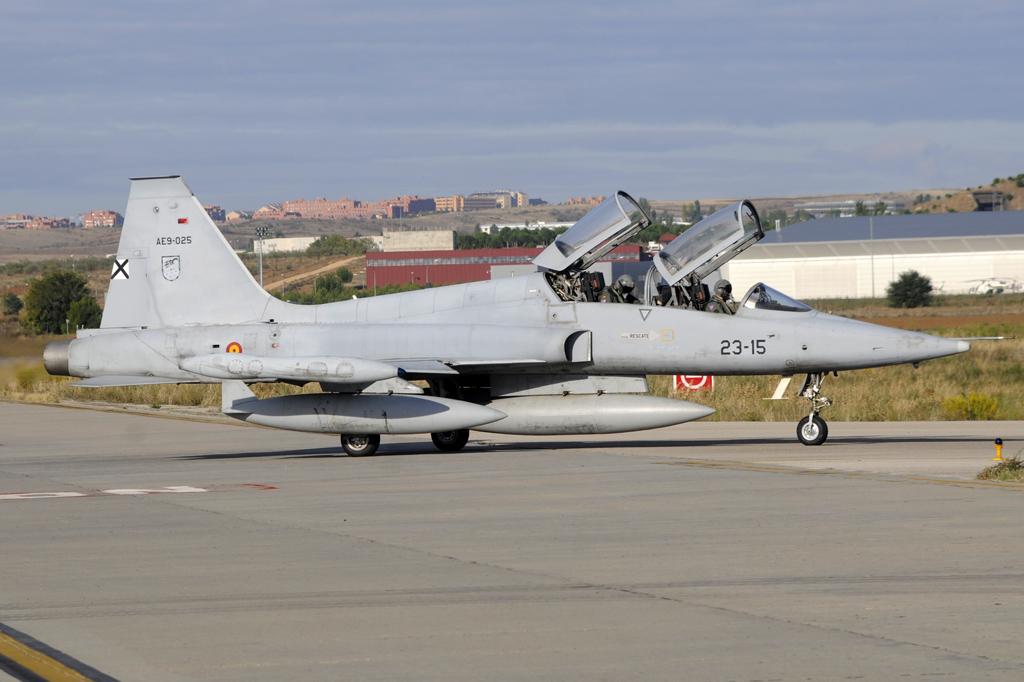 Northrop/CASA F-5B AE9-025/23-15